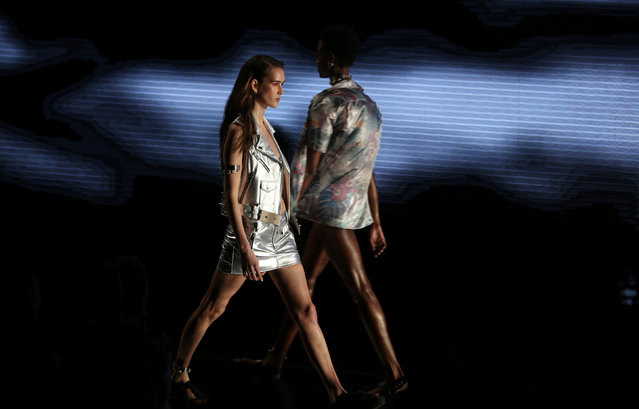 Models present creations from the Ellus collection during Sao Paulo Fashion Week in Sao Paulo, Brazil, April 29, 2016. (Photo by Paulo Whitaker/Reuters)