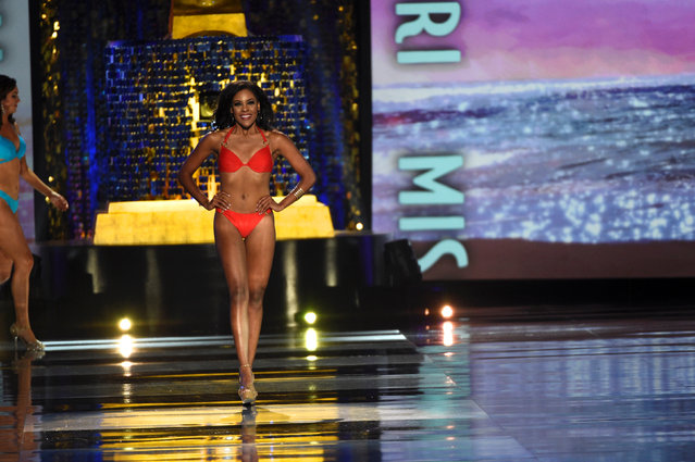 Miss Missouri Jennifer Davis competes in the swimsuit competition of the 97th Miss America Competition in Atlantic City, New Jersey U.S. September 10, 2017. (Photo by Mark Makela/Reuters)