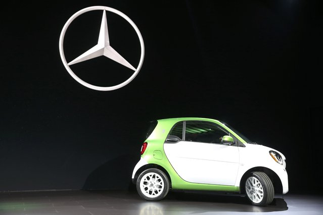 Mercedes introduces the 2017 Smart electric car at the 2016 Los Angeles Auto Show in Los Angeles, California, U.S November 16, 2016. (Photo by Lucy Nicholson/Reuters)