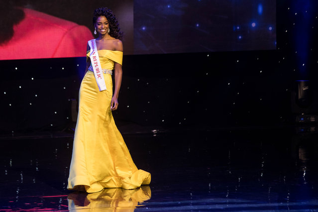 Miss Dominican Republic Yaritza Miguelina Reyes Ramirez is pictured during the Grand Final of the Miss World 2016 pageant at the MGM National Harbor December 18, 2016 in Oxon Hill, Maryland. (Photo by Zach Gibson/AFP Photo)
