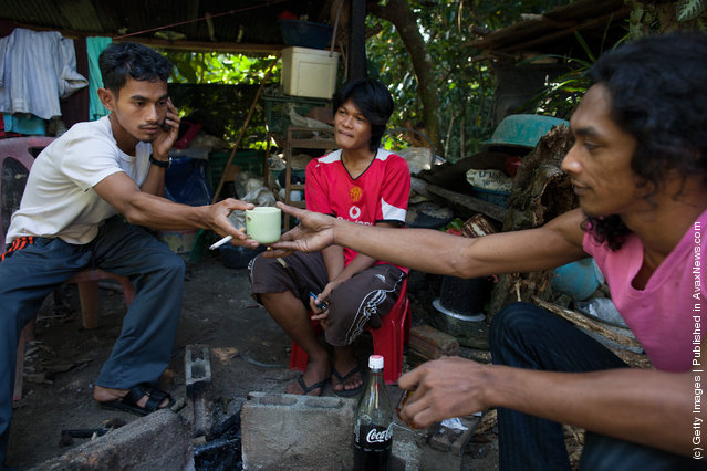 Thai Malay Muslim drug users drink 4x100, the popular cheap narcotic drink