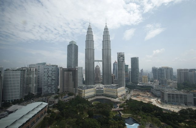 A view of Malaysia's landmark Petronas Twin Towers in Kuala Lumpur is seen in this June 27, 2013 file photo. (Photo by Bazuki Muhammad/Reuters)