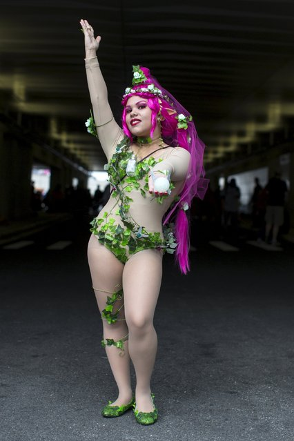 Crystal Freytes poses as a Great Fairy from Legend of Zelda on day two of New York Comic Con in Manhattan, New York, October 9, 2015. (Photo by Andrew Kelly/Reuters)
