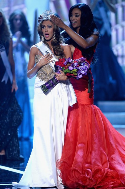 Miss USA 2012 Nana Meriwether crowns Miss Connecticut USA Erin Brady the new Miss USA during the 2013 Miss USA pageant at PH Live at Planet Hollywood Resort & Casino on June 16, 2013 in Las Vegas, Nevada.  (Photo by Ethan Miller)