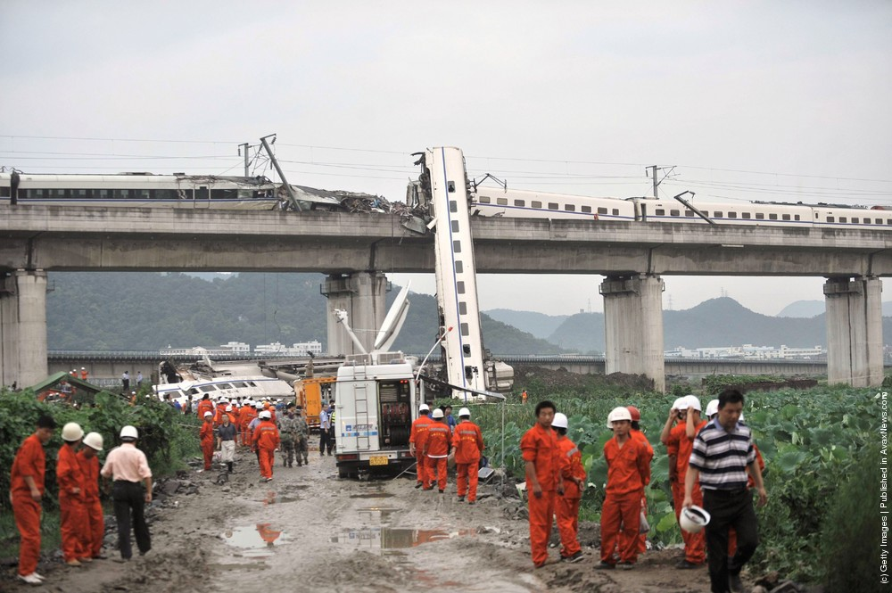 Train Derailed In East China