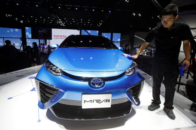 A Mirai fuel cell vehicle by Toyota is displayed at China (Guangzhou) International Automobile Exhibition in Guangzhou, China November 18, 2016. (Photo by Bobby Yip/Reuters)