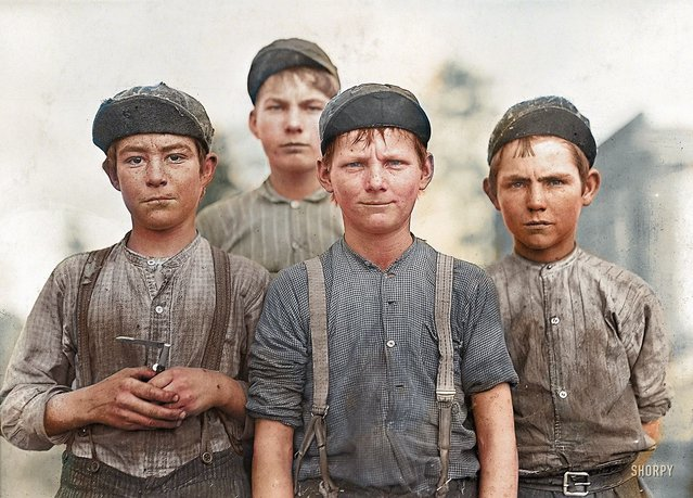 Doffer Boys, Georgia, USA, 1909.
