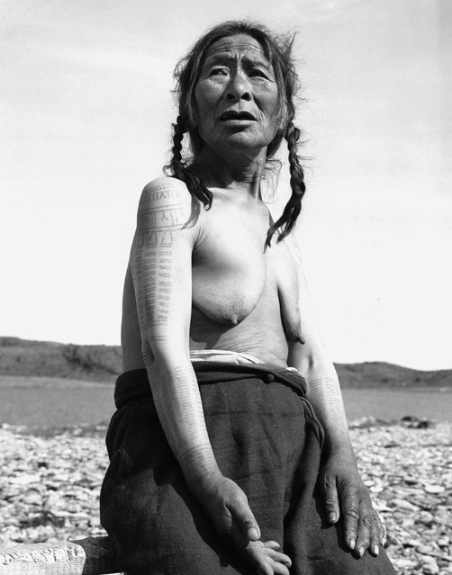 Portrait of an older Eskimo woman, a member of the Innuit tribe. (Photo by Hulton-Deutsch Collection/Corbis via Getty Images)