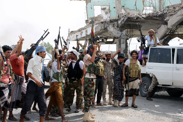 Southern separatist fighters are pictured during clashes with government forces in Aden, Yemen on August 29, 2019. (Photo by Fawaz Salman/Reuters)