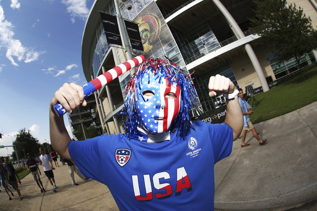 A fan of United States poses for a picture before a Semifinal match between Argentina and US at NRG Stadium as part of Copa America Centenario US 2016 on June 21, 2016 in Houston, Texas, US. (Photo by Omar Vega/LatinContent/Getty Images)