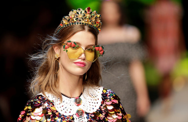 A model presents a creation at the D&G fashion show during Milan Fashion Week Spring/Summer 2017 in Milan, Italy September 25, 2016. (Photo by Max Rossi/Reuters)