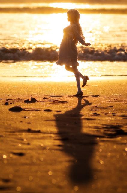 """""""Golden sunrise"""". Location: Kujukuri beach. (AZURE)"""