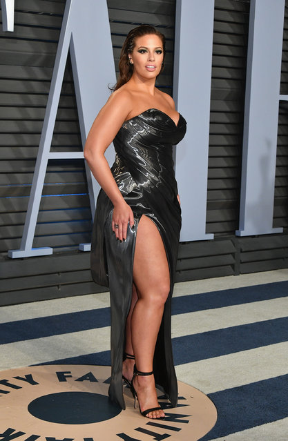 Ashley Graham attends the 2018 Vanity Fair Oscar Party hosted by Radhika Jones at Wallis Annenberg Center for the Performing Arts on March 4, 2018 in Beverly Hills, California. (Photo by Dia Dipasupil/Getty Images)