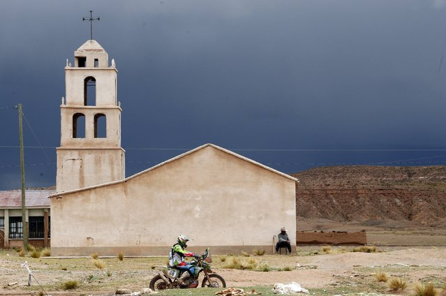 Kawasaki driver Patricio Cabrera of Chile rides during the 7th stage of the Dakar Rally 2015, from Iquique to Uyuni, January 11, 2015. (Photo by Jean-Paul Pelissier/Reuters)