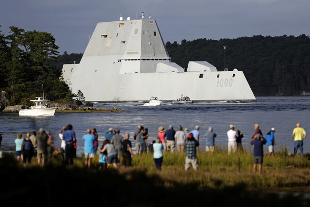 The future USS Zumwalt heads down the Kennebec River after leaving Bath Iron Works Wednesday, September 7, 2016, in Bath, Maine. The nation's biggest and most technologically sophisticated destroyer is going to join the Navy with half the normal crew size thanks to unprecedented automation. (Photo by Robert F. Bukaty/AP Photo)