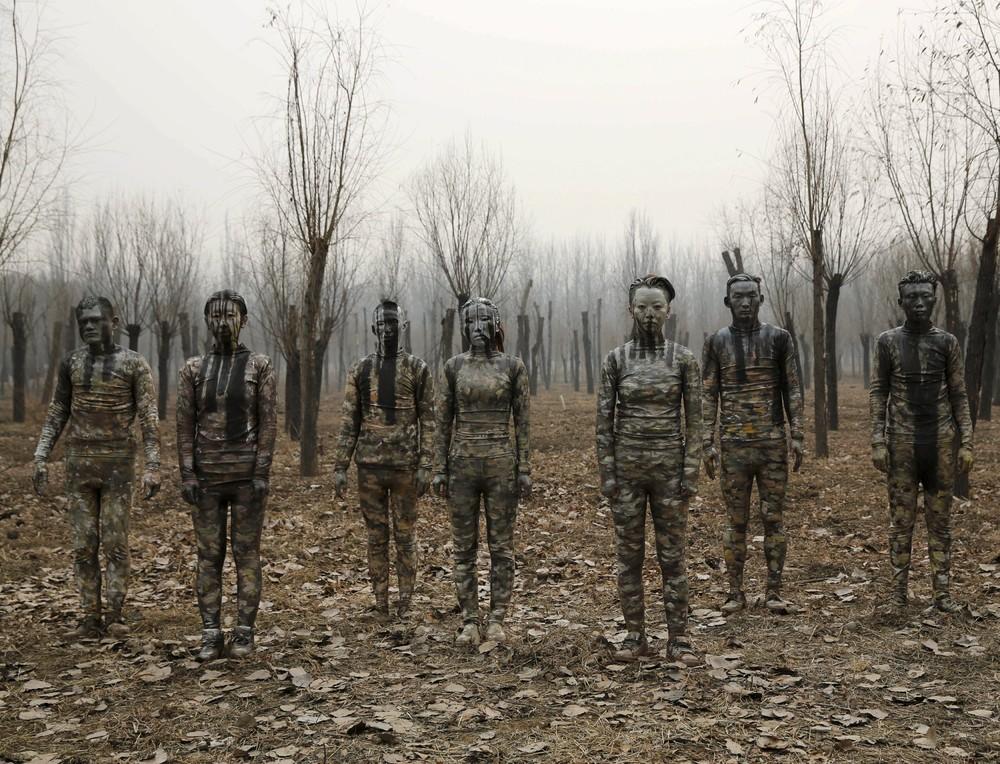 """Invisible Man"" Liu Bolin Addresses China's Smog"