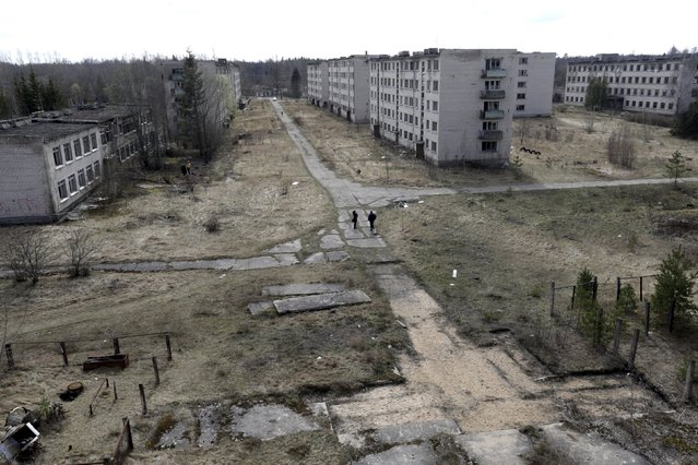 A general view of the ghost town of a former Soviet military radar station near Skrunda, Latvia, April 9, 2016. (Photo by Ints Kalnins/Reuters)