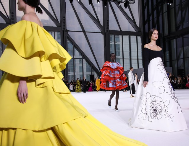 Models present creations from the Carolina Herrera Fall 2020 collection during New York Fashion Week in the Manhattan borough of New York, U.S., February 10, 2020. (Photo by Caitlin Ochs/Reuters)