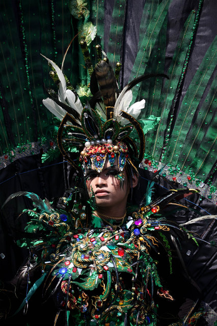 A model showcases a design on the catwalk during the eighth Jember Fashion Carnival on August 2, 2009 in Jember, East Java, Indonesia. (Photo by Ulet Ifansasti/Getty Images)