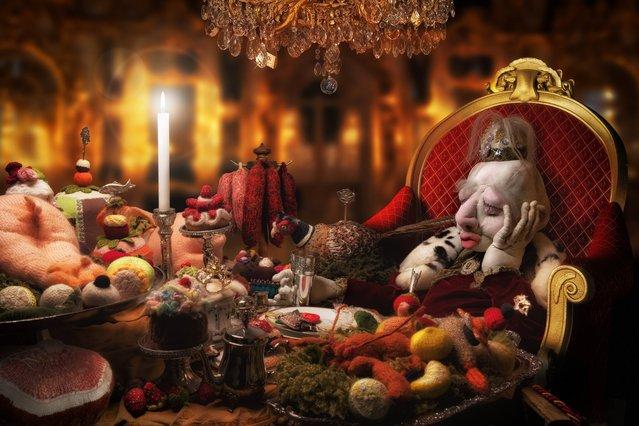 """Le festin du roi en attendant L'enfant..."". (John Wilhelm)"