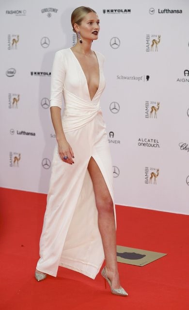 German model Toni Garrn arrives on the red carpet for the Bambi 2014 media awards ceremony in Berlin November 13, 2014. The annual Bambi awards honours celebrities from the world of entertainment, literature, sports and politics. (Photo by Hannibal Hanschke/Reuters)