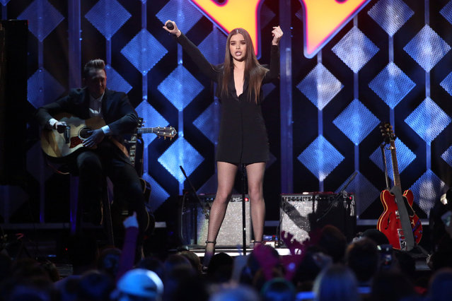 Hailee Steinfeld performs at Z100's Jingle Ball in Manhattan, New York, U.S., December 9, 2016. (Photo by Andrew Kelly/Reuters)