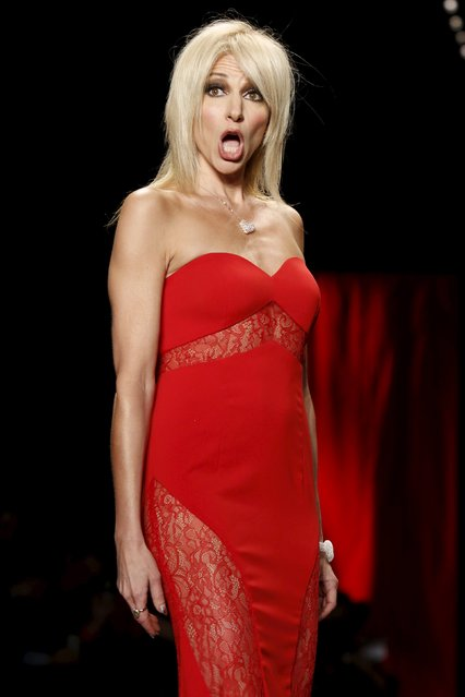 Debbie Gibson presents a creation during the American Heart Association's (AHA) Go Red For Women Red Dress Collection, presented by Macy's at New York Fashion Week February 11, 2016. (Photo by Andrew Kelly/Reuters)