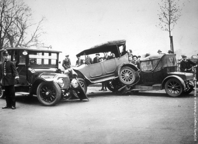 1924: Crashed cars in Finchley Road, north London