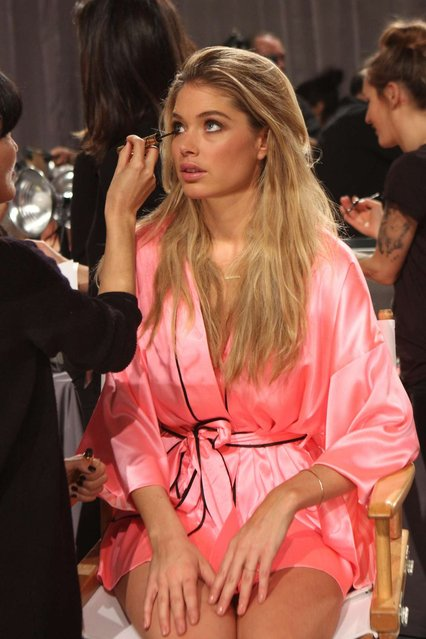 Doutzen Kroes 2012 Victoria's Secret Fashion Show in New York. (Photo by Charles Sykes/Evan Agostini)