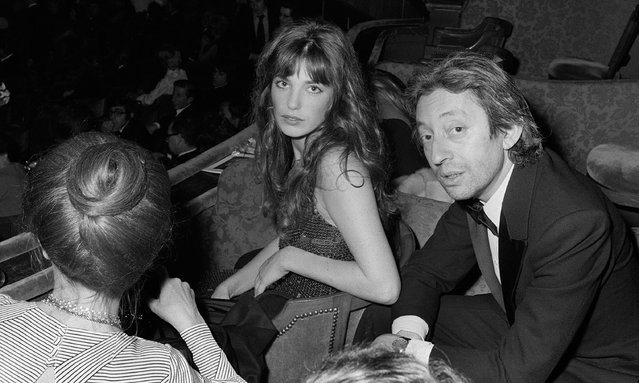 Serge Gainsbourg and English-French actress Jane Birkin in Paris, France in 1973. (Photo by Michel Clement/AFP Photo)