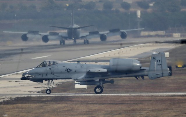 A U.S. Air Force A-10 Thunderbolt II fighter jet lands at Incirlik airbase in the southern city of Adana, Turkey, December 10, 2015. (Photo by Umit Bektas/Reuters)