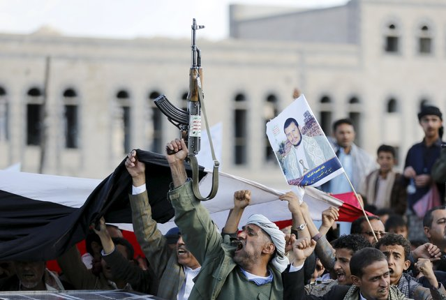 Houthi supporters demonstrate against Saudi-led air strikes in Yemen's capital Sanaa January 8, 2016. (Photo by Khaled Abdullah/Reuters)