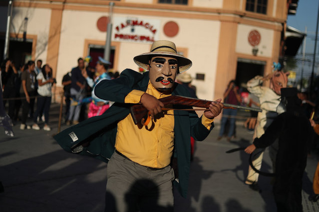 A member of a troupe performs during the celebration of World Theater Day in San Salvador, El Salvador, 27 March 2019. (Photo by Rodrigo Sura/EPA/EFE)
