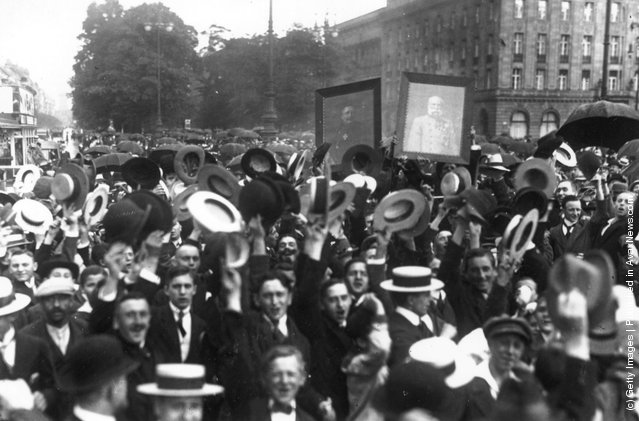 Exuberance on Unter den Linden in Berlin, following the declaration of war, 4th August 1914