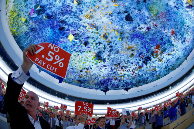 United Nations and other agencies staff demonstrate against a planned 7,5 % salary cut at the U.N. in Geneva, Switzerland, May 24, 2017. (Photo by Denis Balibouse/Reuters)