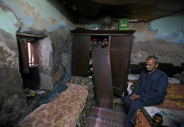 Abdul Razzaq Abou El Fadl is pictured in his home in Ezbet Khairallah in Cairo, Egypt October 4, 2016. (Photo by Mohamed Abd El Ghany/Reuters)