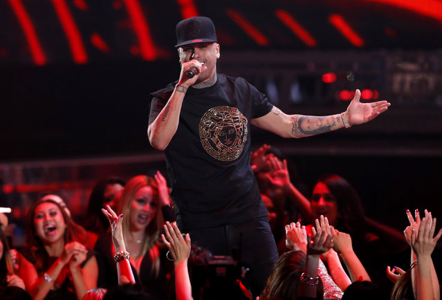 Nicky Jam performs a medley during the Latin Recording Academy Person of the Year gala honoring Brazilian singer Roberto Carlos in Las Vegas, Nevada November 18, 2015. (Photo by Mario Anzuoni/Reuters)