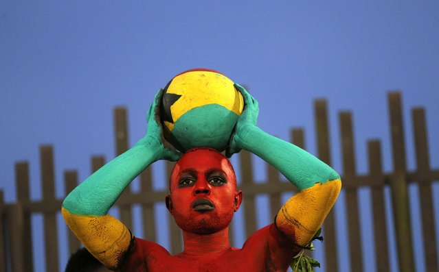 A Ghana fan awaits the start of their Group C soccer match against South Africa at the 2015 African Cup of Nations in Mongomo January 27, 2015. (Photo by Mike Hutchings/Reuters)