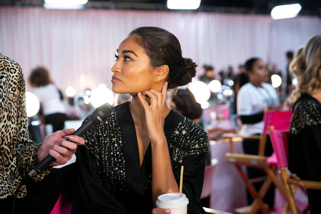 Model Kelly Gale is interviewed backstage during the Victoria's Secret fashion show in the Manhattan borough of New York City, U.S., November 8, 2018. (Photo by Caitlin Ochs/Reuters)