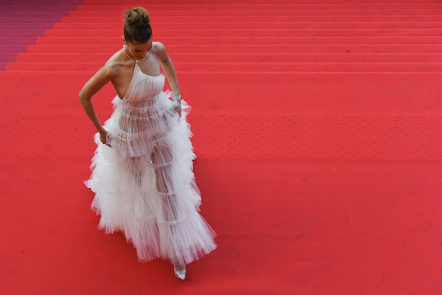 "US model Bella Hadid poses as she arrives for the screening of the film ""Rocketman"" at the 72nd edition of the Cannes Film Festival in Cannes, southern France, on May 16, 2019. (Photo by Antonin Thuillier/AFP Photo)"