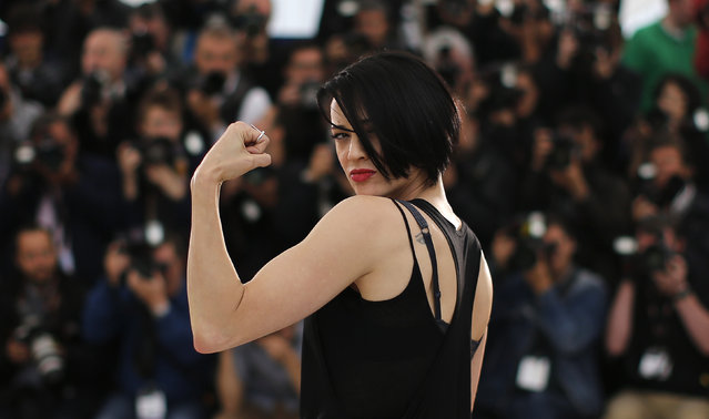 """Director Asia Argento poses during a photocall for the film """"Incompresa"""" (Misunderstood) in competition for the category """"Un Certain Regard"""" at the 67th Cannes Film Festival in Cannes May 22, 2014. (Photo by Eric Gaillard/Reuters)"""