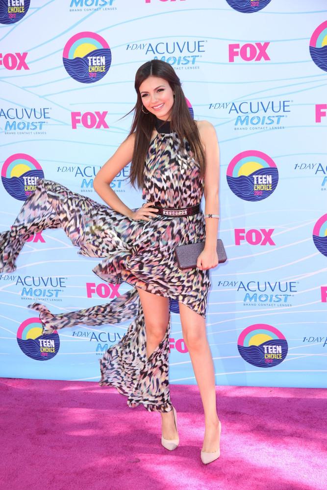 2012 Teen Choice Awards – Arrivals