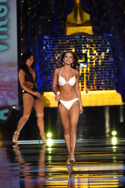 Miss Virginia Cecili Weber competes in the swimsuit competition of the 97th Miss America Competition in Atlantic City, New Jersey U.S. September 10, 2017. (Photo by Mark Makela/Reuters)