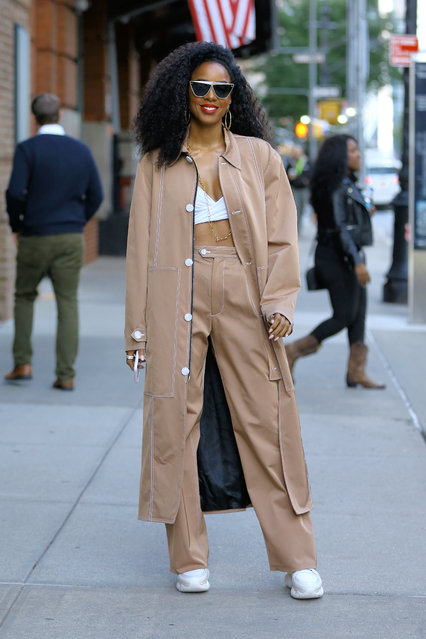 Singer Kelly Rowland as she appeared outside the Greenwich Hotel on October 24, 2018 before a conspiracy emerged on the internet accusing her of bleaching her skin, which she denied. (Photo by Christopher Peterson/Splash News and Pictures)