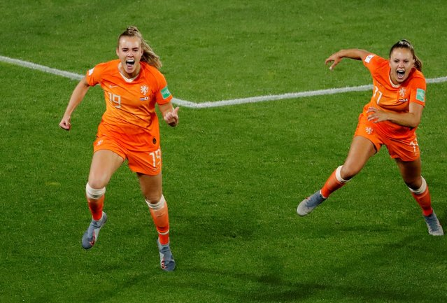 Jill Roord and Lieke Martens of Holland Women celebrate 2-1 during the World Cup Women match between Holland v Japan at the Stadion Roazhon Park on June 25, 2019 in Rennes, France. (Photo by Stephane Mahe/Reuters)
