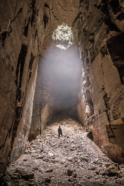 This incredible picture was taken at the Box Freestone Mine, in Wiltshire. Mike revealed that even experienced map readers would struggle to navigate their way around the seemingly endless tunnels that he and his friends visit. (Photo by Mike Deere/Caters News)