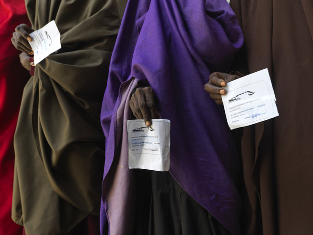 Food packages are reaching those who can escape militia-controlled areas. The NGO Mercy Corps is feeding vulnerable families in Baidoa. (Photo by Peter Caton/Mercy Corps)