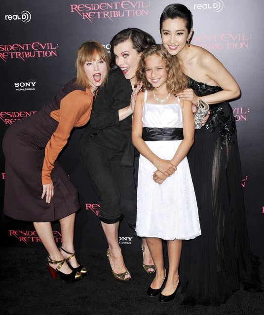 "(L-R) Actresses Sienna Guillory, Milla Jovovich, Aryana Engineer and Li Bingbing arrive at the Los Angeles premiere of ""Resident Evil: Retribution"" at Regal Cinemas L.A. Live on September 12, 2012 in Los Angeles, California. (Photo by Christopher Polk)"