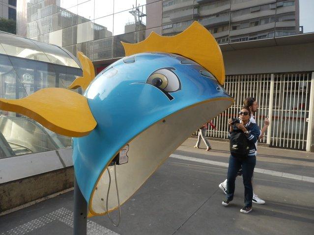 Work: Fish Artist: FLAVIO Scocco DE ABREU Address: Avenida Paulista, 2224 – Metro Consolation - Santander / Itau