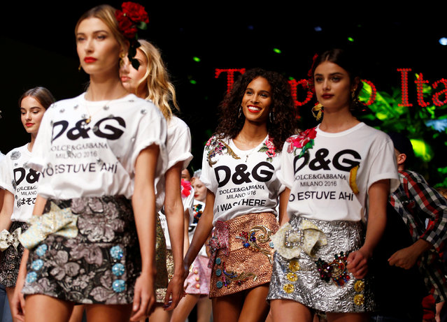 Models present creations at the Dolce & Gabbana fashion show during Milan Fashion Week Spring/Summer 2017 in Milan, Italy, September 25, 2016. (Photo by Alessandro Garofalo/Reuters)